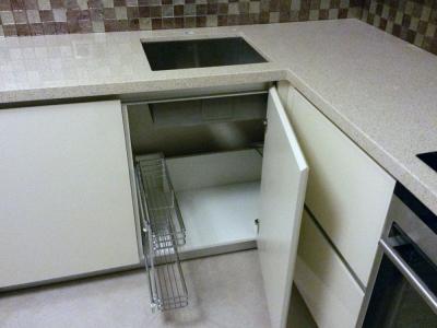 дополнительная металлическая корзина карго в ящике под мойку