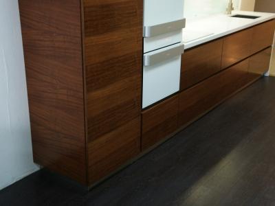 все боковины наших кухонь выполняются из фасадного материала