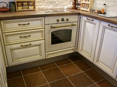 П-образное расположение кухни экономит пространство и дает большую рабочую поверхность