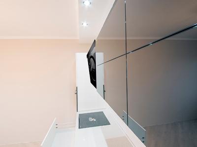 фасады из стекла в алюминиевом профиле черного цвета