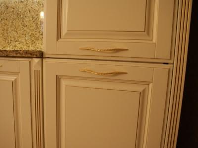 Встроенный холодильник вписан гармонично.