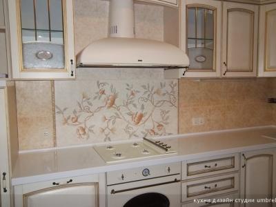 декоративная раскладка плитки на стене кухни