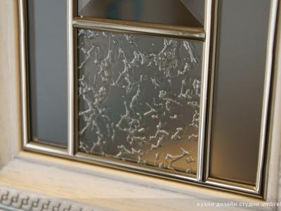 красивые и строгие витрины для шкафов руджери