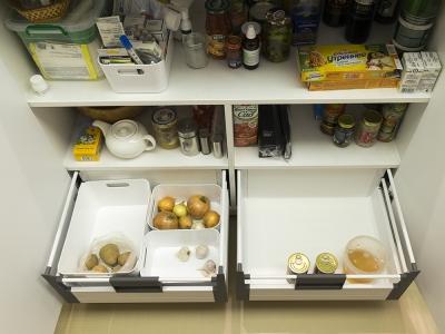 дополнительные ящики в барной зоне кухни