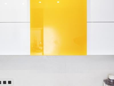 распашной шкаф с системой выталкивания фасада