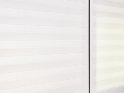 тонкий алюминиевый профиль скрадывает расстояние между фасадами, создавая ощущение общего фасада