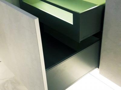 Система выдвижения LEGRABOX от Blum - лаконичный дизайн и акцент на тонких боковинах, прямых изнутри и снаружи