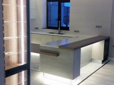 Подсветка кухни подключена к системе умный дом