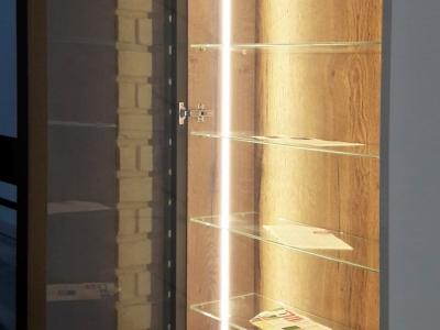 LED подсветка витрины во врезном алюмииевом профиле
