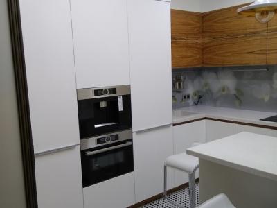 Кухонные ящики кухни индивидуально проектировались под заданные размеры помещения