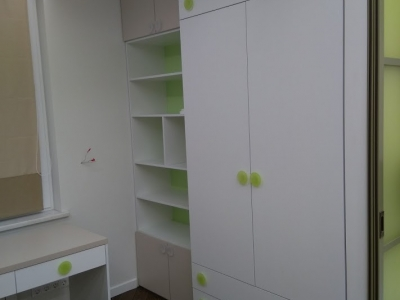 Дверки мебели имеют дизайнерские итальянские ручки