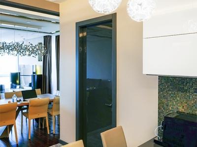 лаконичные двери из однотонного мдф всегда выглядят дорого и эффектно