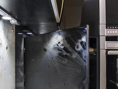 потайная фальш-панель для доступа в угол кухни