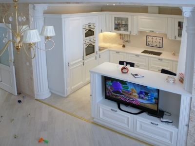 П-образная конфигурация кухни с отровом