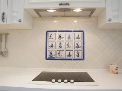 вставка из плиточного панно на кухне
