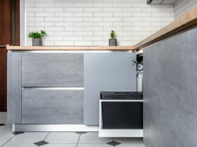 Выдвижное ведро для мусора - функциональное решение в современной кухне