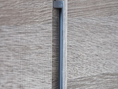 система открытия  дверей встроенной ручкой