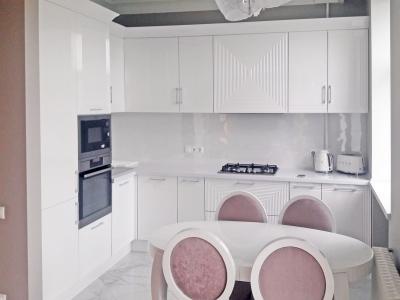 Современная классическая кухня в стиле Арт Деко