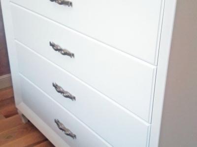 Вся фурнитура blum  - плавное закрывание дверок мебели,  срок эксплуатации более 10 лет