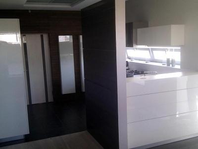 кухня совмещена с гостиным помещением