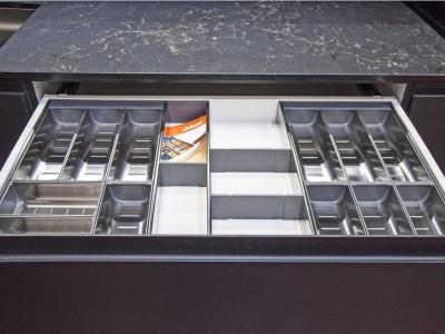 Удобная система хранения для вилок, ложек…