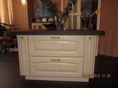выдвижные ящики для хранения на кухне