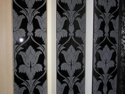стеклянные узорные витрины