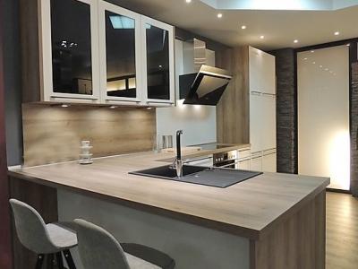 Современная кухня в стиле LOFT изготавливалась с надежных материалов австрийского производителя EGGER для среднего бюджета