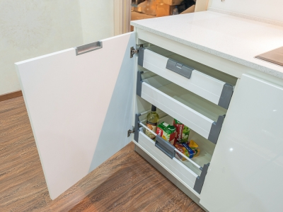 шкафы укомплектованы потайными ящиками blum tandembox