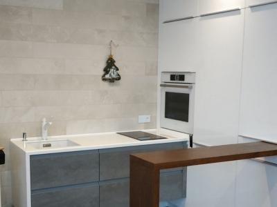 Дизайнерское исполнение мебели позволяет максимально использовать мебельное пространство для припасов
