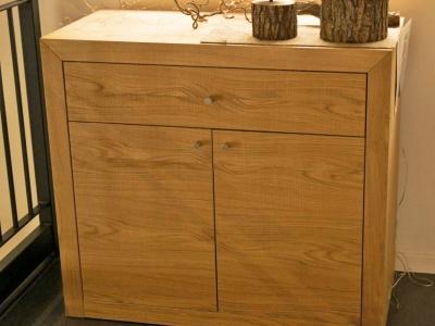 Изготовление мебели под заказ. Декорирование оборудования массивом дерева.