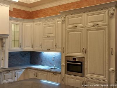 высокая база кухни позволяет использовать большое количество декоров