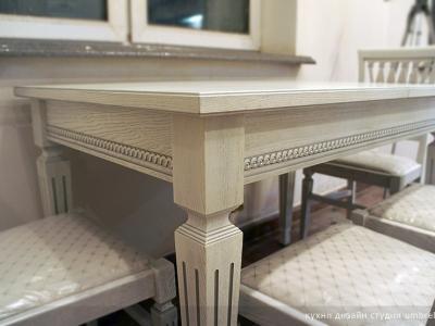 столе из ясеня в коллекции руджери