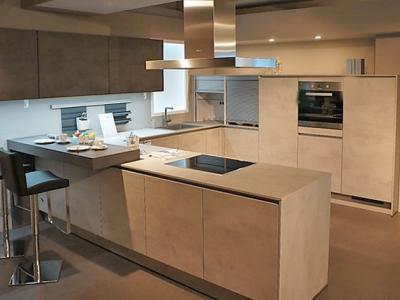 Угловая  кухня  керамика beton grigia модель new2017