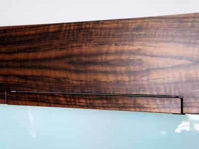 текстура амазакуа имеет характерный переливающийся текстурный блеск