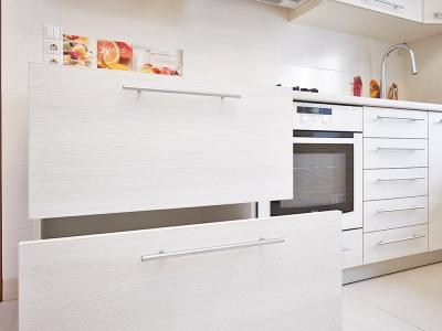 выдвижные системы blum для хранения крупной посуды и продуктов