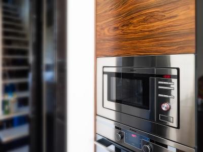 комбинированная панель свч-печи. Бытовая техника всегда выглядит более однородно и лаконично, если произведена одним производителем.