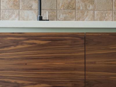 текстура для фасадов кухни подбирается индивидуально