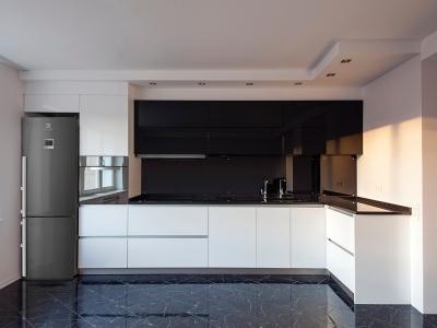 потолок спроектирован специально для конкретной модели кухни