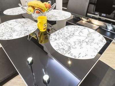 обеденный стола из черного закаленного стекла