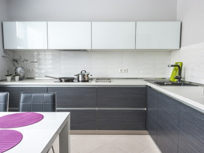 витрины из стекла для кухни- красиво, практично, легко и стильно