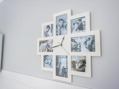 часы с семейными фотографиями
