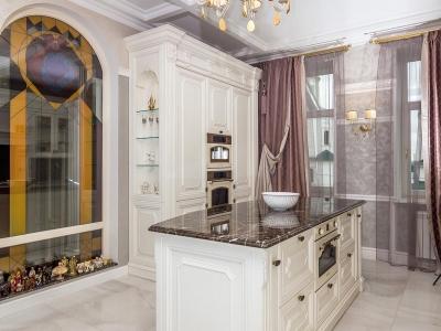 Объемные фасады кухни мдф толщиной 24мм, по роскоши, ни в коем случае, не уступают классическим фасадам из массива, и имеют более жесткие нормы эксплуатации.