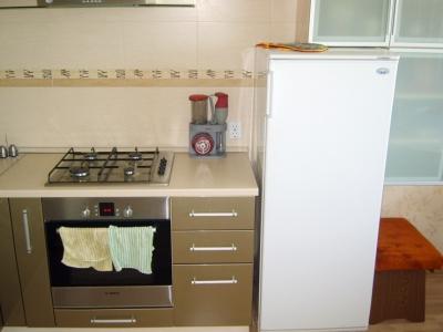 небольшой компактный холодильник