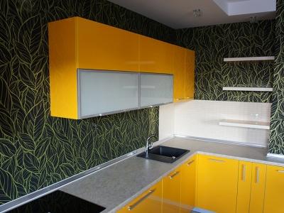 боковины кухни выполнены из того же фасадного материала