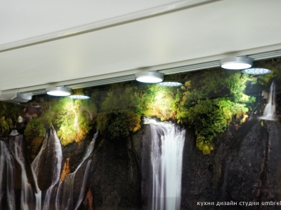 акцент света на выступах скальной породы
