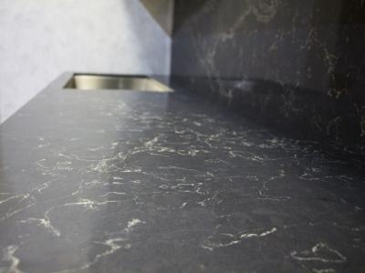 Столешница кухни со стеновой панелью одного декора