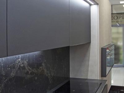 Глубина кухонных ящиков спроектированы  в четырех плоскостях