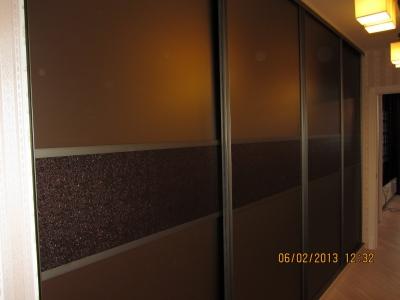 бронзовое стекло на шкафах купе