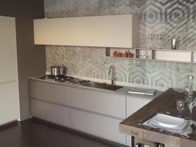 Ультра-современная модель кухни. Керамика, МДФ, камень.